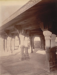 Close view of decorated columns on the first floor of the Panch Mahal, Fatehpur Sikri